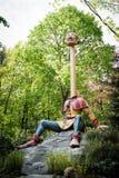 Длинная шея в тематическом парке De Efteling в Нидерландах Стоковое Изображение RF