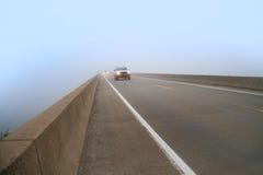 Длинний мост в тумане Стоковое Изображение