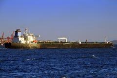 длинний топливозаправщик корабля Стоковая Фотография