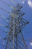 Длинные очереди башен линии электропередач Стоковая Фотография RF