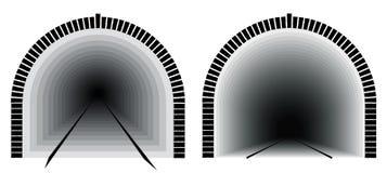 Длинный и глубокий железнодорожный тоннель Путь сразу Неопределенность лежит вперед Стоковое фото RF