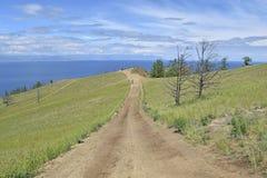 Длинный путь к красивому Lake Baikal Стоковые Изображения