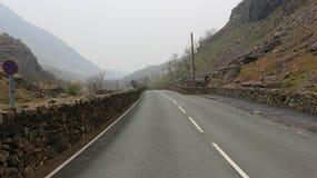 Длинный путь Snowdonia стоковое изображение rf