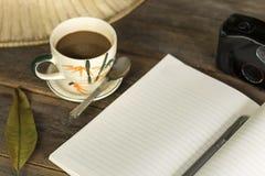 Дневник 2 книги кофе утра Стоковое Изображение RF
