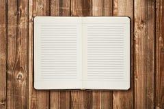 Дневник на таблице стоковое фото rf