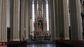 Дневной свет собора внутренний яркий сток-видео