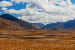 дни altai продолжают лето гор Красивейший ландшафт гористой местности Россия Сибирь Стоковая Фотография RF