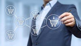 Добавьте к концепции электронной коммерции покупки магазина сети интернета тележки онлайн Стоковое фото RF