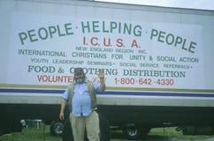 Добровольные собирая пожертвования Стоковые Изображения