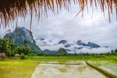 Доброе утро на Vang Vieng, Лаосе стоковое фото