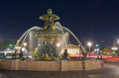 Добро и фонтан Стоковое Изображение