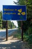 Добро пожаловать к Калифорнии подписывает внутри Калифорнию Соединенные Штаты Americ Стоковые Фото