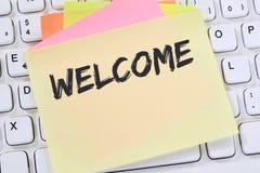 Добро пожаловать новое примечание иммигрантов беженца беженцев коллеги работника Стоковая Фотография