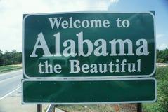 Добро пожаловать к знаку Алабамы стоковые изображения rf