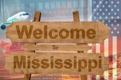 Добро пожаловать к положению Миссиссипи в знаке на древесине, теме США travell стоковые изображения rf