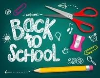 Добро пожаловать назад к названию школы написанному в доске мела Стоковые Изображения