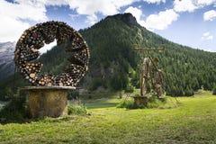 Добро пожаловать скульптура соломы велосипеда в Livigno, Италии Стоковое Изображение RF