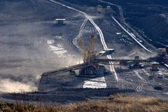 добыча угля бросания коричневого цвета открытая Стоковое Изображение RF