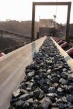 Добыча угля и транспортер обработки стоковая фотография rf