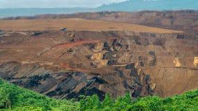 Добыча угля открытого карьера, Sangatta, Индонезия стоковая фотография