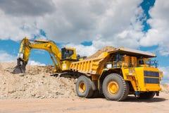 Добыча угля в открытом карьере Стоковые Фотографии RF