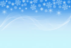 Довольно голубая предпосылка с белыми снежинками и Стоковые Изображения