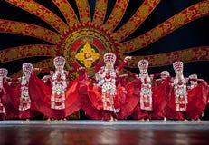 Довольно китайские девушки танцев Стоковые Изображения RF