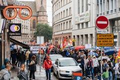Дождливый день над политическим маршем во время французский общенациональный день ag Стоковое Изображение