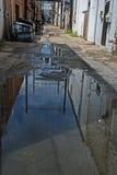 дождь задней части союзника городской Стоковая Фотография RF