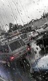 Дождевые капли на стекле автомобиля Стоковое фото RF