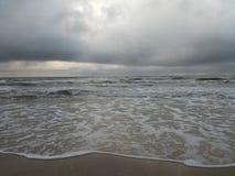 Дождливый день в пляже Palanga Стоковая Фотография
