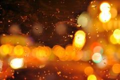 Дождь и свет через стекло стоковое изображение rf