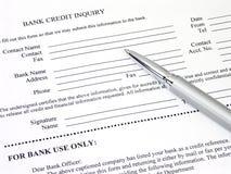 дознание формы кредита в банке Стоковое Изображение