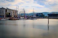 Доки Белфаста с высокорослыми кораблями Стоковая Фотография