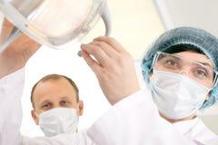 Доктора в масках Стоковые Изображения RF