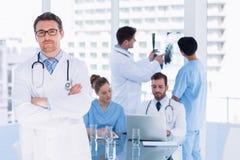 Доктора на работе в медицинском офисе Стоковые Фото