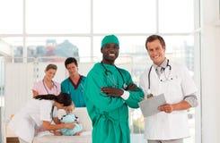 доктора собирают совместно работать Стоковые Изображения RF