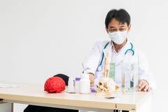 Доктор расслабляющий стоковые изображения rf