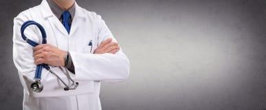 Доктор Человек В Standing Стоковое фото RF