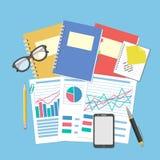 Документы и графики на настольном компьютере Концепция для планированиe бизнеса и бухгалтерии, анализа, финансовой проверки, анал Стоковые Изображения