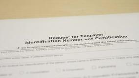 Документ налога для формы дохода W-9 IRS сток-видео