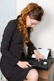 документ отправляя секретаршю по факсу Стоковое Изображение