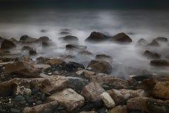 Долгая выдержка моря и утесов Стоковое Изображение
