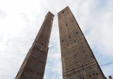 Должное torri (2 башни) в болонья Стоковое Изображение RF
