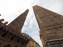 Должное torri (2 башни) в болонья Стоковые Фото
