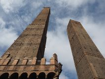 Должное torri (2 башни) в болонья Стоковая Фотография RF