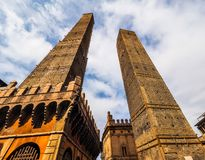 Должное torri (2 башни) в болонья (hdr) Стоковое Фото