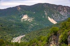 Долина горы на пути к Krasnaya Polyana от Adler, Сочи стоковое изображение