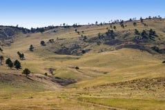 долина горы предгорья приятная утесистая Стоковое Фото