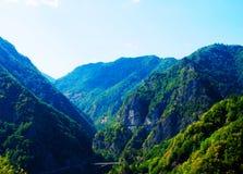 долина красивейшей горы transfagarasan Стоковые Изображения